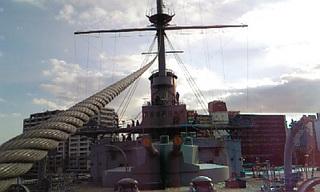 「三笠」甲板