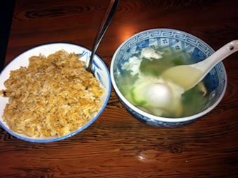 焼きめしと栄養スープ